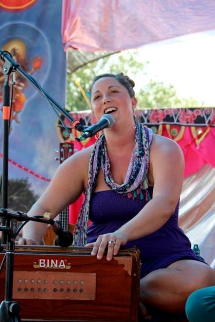 Helen at Bhakti Fest West in Joshua Tree, CA (photo by Shanti Scribe • www.shantiscribe.com)